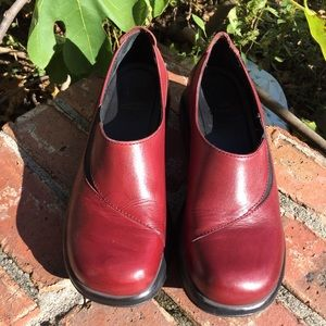 Dansko Womens Leather Clogs Sz 38  US 7.5-8